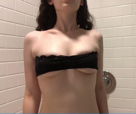 红唇阿姨ASMR视频:和我一起洗澡吧!